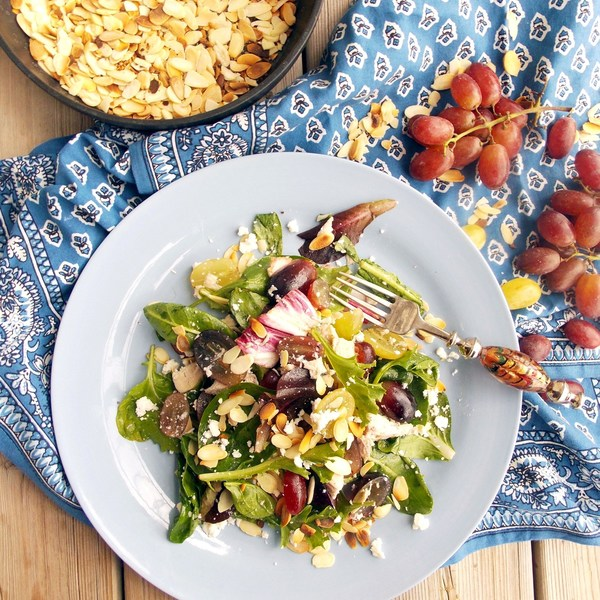 Chicken, Grapes and Almonds Salad