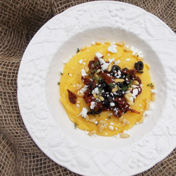 Sun-Dried Tomatoes, Olives and Feta Polenta