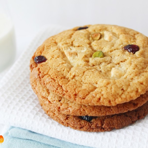Dried Cranberry, Pistachio & White Chocolate Chip Cookies