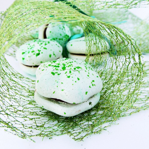 Mint Meringue Kisses