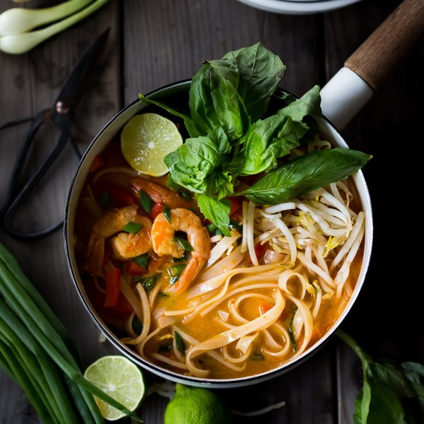 THAI COCONUT CURRY NOODLE SOUP (Khao Soi)
