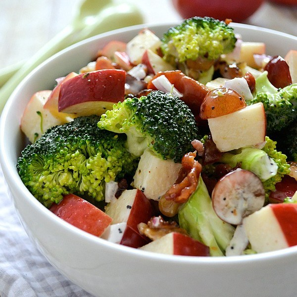 Tossed Broccoli and Apple Salad