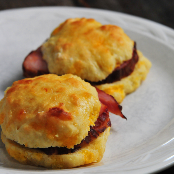 Ham and Cheddar Biscuits Recipe