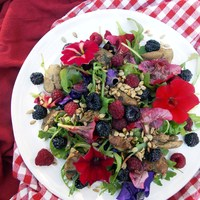 Chicken Liver Berry Salad