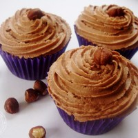 Chocolate and Hazelnut Cupcakes with Hazelnut Buttercream Frosting