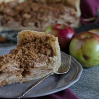 Deep Dish Dutch Apple Pie