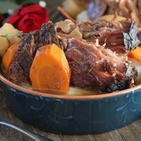 Slow Cooker Pot Roast with Easy Gravy