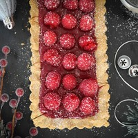 Holiday Raspberry Caramel Tart