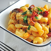Roast Chicken Pasta with Sundried Tomatoes Recipe