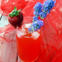 Strawberry Lavender Lemonade