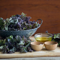 Baked Kale Chips with Sea Salt and Black Pepper