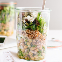 Mason Jar Chickpea, Farro and Greens Salad (& lunch packing tips!)