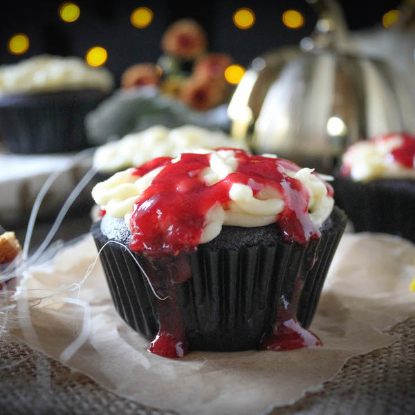 Halloween Bleeding Brain Cupcakes