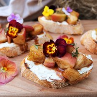 Spiced Maple Apple Crostini
