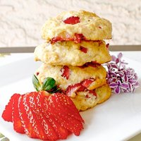 Strawberry Banana Shortcake Cookies
