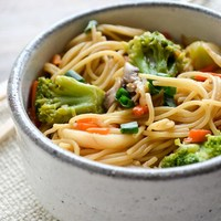 {Quick & Easy} Vegetable Lo Mein